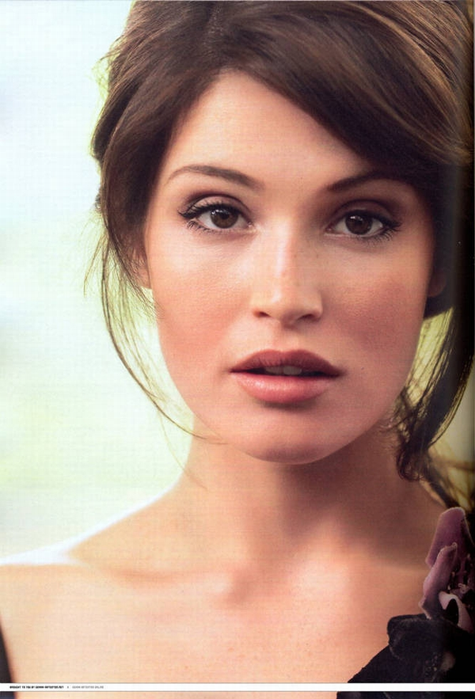 Gemma-Arterton-Glamour-UK-October-2